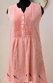 Pink linen long top with <b>hand painted birds</b> | Atelier kuntal