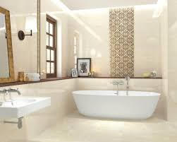 Просторная ванная комната в традиционном стиле с отдельно ...