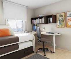 arrange small bedroom with big furniture bedroom furniture small