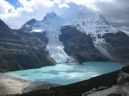 اجمل البحيرات في العالم images?q=tbn:ANd9GcT
