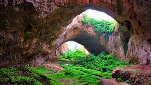 devetashka cave bulgaria