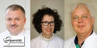 Dr. <b>Claudia Barthel-Zimmer</b> und Prof. Dr. Jochen Jackowski. © Uni W/H - uni-witten-empfehlung-zahnarzt