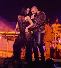 Image result for Drake and Rihanna finally kiss on stage