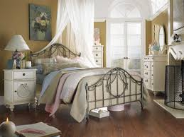 romantic shabby chic bedroom ideas chic small bedroom ideas