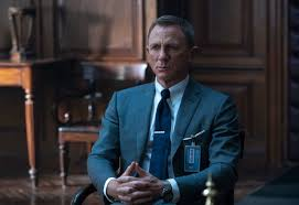 <b>TOM FORD</b> DRESSES 007 IN NO TIME TO <b>DIE</b>
