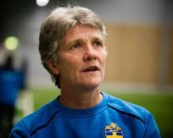 Den nya förbundskaptenen Pia Sundhage får kritik av allsvenskans klubbar för att hon vill lägga beslag på landslagsspelarna i över 100 dagar inför hemma-EM ... - sundhage