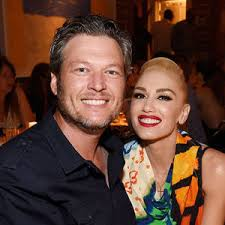 Gwen Stefani, Her Sons & Blake Shelton Have a Dance Party With ...