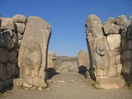 hattusha capital city of the hittite empire a photo essay the lion gate at bogazkoy turkey in the ruins of city of hattusha