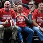 Clippers selling Hollywood-style courtside seats behind team benches for $175K