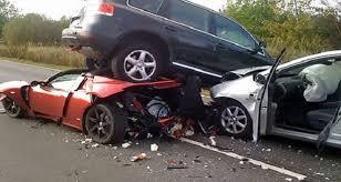 ابشع حوادث السيارات في العالم images?q=tbn:ANd9GcT