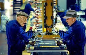 Risultati immagini per anziani al lavoro