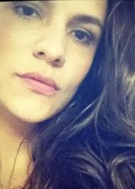 Antes de investir na carreira de atriz, Paula Barbosa começou três faculdades - 16mai-2012---antes-de-abracar-a-carreira-de-atriz-de-uma-vez-paula-barbosa-fez-outras-faculdades-1401137293093_300x420