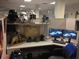 ya i am a game artist and work in 3d all day so ya my cube reflects that artist office