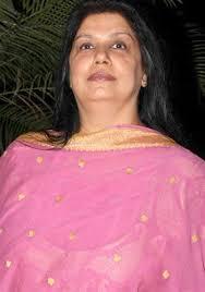 Bollywood Hero Anil kapoor's Brother Boney Kapoor first wife Mona Kapoor passed away today in Hinduja Hospital, Mumbai while getting treatment. - MonaShourieKapoor