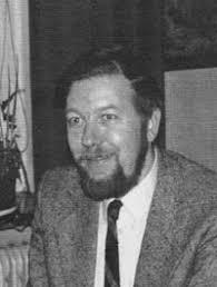 Zachariassen, Niels Ebbe. (1947-2004) søn af Mogens Zachariassen, trådte i faren og farfarens fodspor og drev forretningen sammen med sin ligeledes ... - Nils_Ebbe_Z