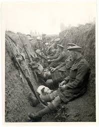 historiography of world war one the british library photograph 1915 showing a group of highland territorial iers in a trench armed