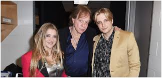 Rocker Eddie Money Leaves Behind Wife Laurie & Five Children ...