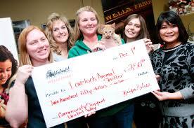 tellers give to lovelock animal shelter news4nevada wells fargo bank employees and lovelock animal shelter supervisor sheri crim kitten hold