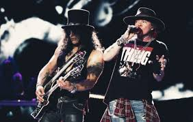 Slash Says His First Show Back With <b>Guns N</b>' <b>Roses</b> Was 'A Lot Of ...