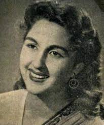 Kishore Sahu featured her in Kali ghata, along with two other heroines, Asha Mathur and Indira Panchal,but she was main attraction. - Bina_Rai_300