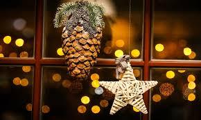 Decorazione Finestre Neve : Natale addobbi casa come decorare le finestre urbanpost