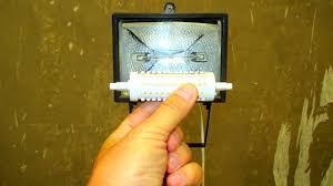 <b>Светодиодная лампа</b> в галогенный прожектор. Как оно? - YouTube