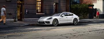 Porsche Panamera <b>4 E</b>-Hybrid - Porsche AG