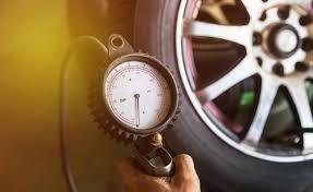 <b>Top</b> 10 <b>Best Tire Pressure</b> Gauges - AutoGuide.com