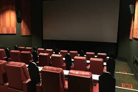 the best movie theaters in chicago from art houses to multiplexes amc dine in theatres block 37