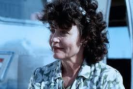 Babcia Becky - Penelope Branning Co gryzie Gilberta Grape'a - Babcia Becky - 411258.1