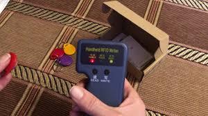 <b>Handheld 125KHz RFID</b> Card Reader <b>Copier</b> - YouTube