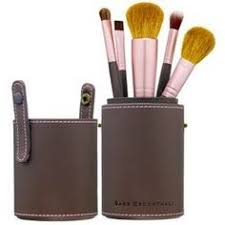 bare minerals has the best makeup brushes perfect application everytime