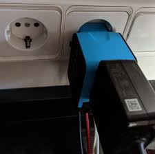 The Best Universal Power <b>Plug Adapter</b> for Travel – Minimalist.Travel
