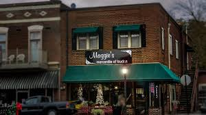 historic loudon tn 1817 photo news 247 11 25 2016 maggie s mercantile of loudon a shop in the historic district of loudon tn 37774 photonews247 com