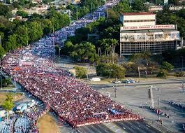 Image result for imagenes del desfile del 1 de mayo Cuba