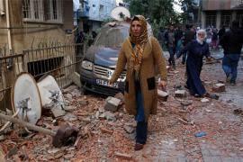 Turska policija vodenim topovima na demonstrante   Borbe protiv ...