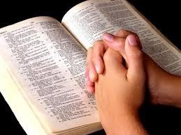 Retirada das Bíblias de bibliotecas públicas: uma intolerância religiosa