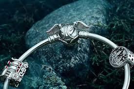 Серебряный жесткий <b>браслет</b> ''Снитч'' <b>PANDORA 598619C00</b> ...