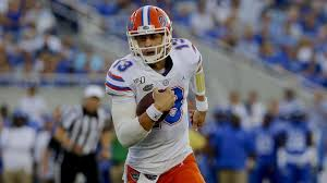 Florida quarterback Feleipe Franks carted off after gruesome right ...