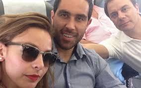 Claudio Bravo, junto a su esposa Carla Pardo, a su llegada a Barcelona ... - claudio-bravo-junto-esposa-carla-pardo-llegada-barcelona-1404638847766