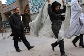 chador-mosque-iran