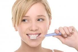 Bí quyết chăm sóc răng miệng Images?q=tbn:ANd9GcTSAd1beBlbuz5sJDIu_1ZO_CCBv33knUg89N6H9pKtT3a-4NlkyA