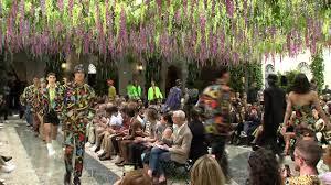 Versace Spring <b>Summer</b> 2019 <b>Men's Fashion</b> Show | Facebook