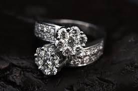 <b>Forever One</b> Moissanite vs Diamond - Bel Viaggio Designs