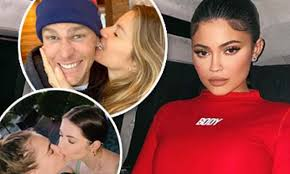 Happy Valentine's Day from Hollywood! Kylie Jenner, <b>Celine Dion</b> ...