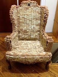 Даже кресло можно сделать из <b>винных пробок</b>. | <b>Винные пробки</b> ...