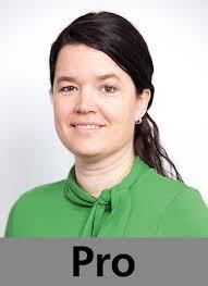 Corinne Hansen, Karl Schefer (Fotos: Johanna Bossart) Corinne Hansen ist HR Director bei Heineken Switzerland. - S.26_debatte02_07-08_13