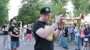 Moscow street musicians: <b>Brass band</b> occupies parks - Russia Beyond
