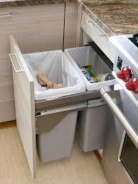 Выдвижное <b>мусорное ведро</b> для кухни | Шкаф для кухни, Шкаф ...