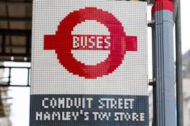 Here's A Bus Stop In London Made Out Of 100,000 Lego Bricks, And ...